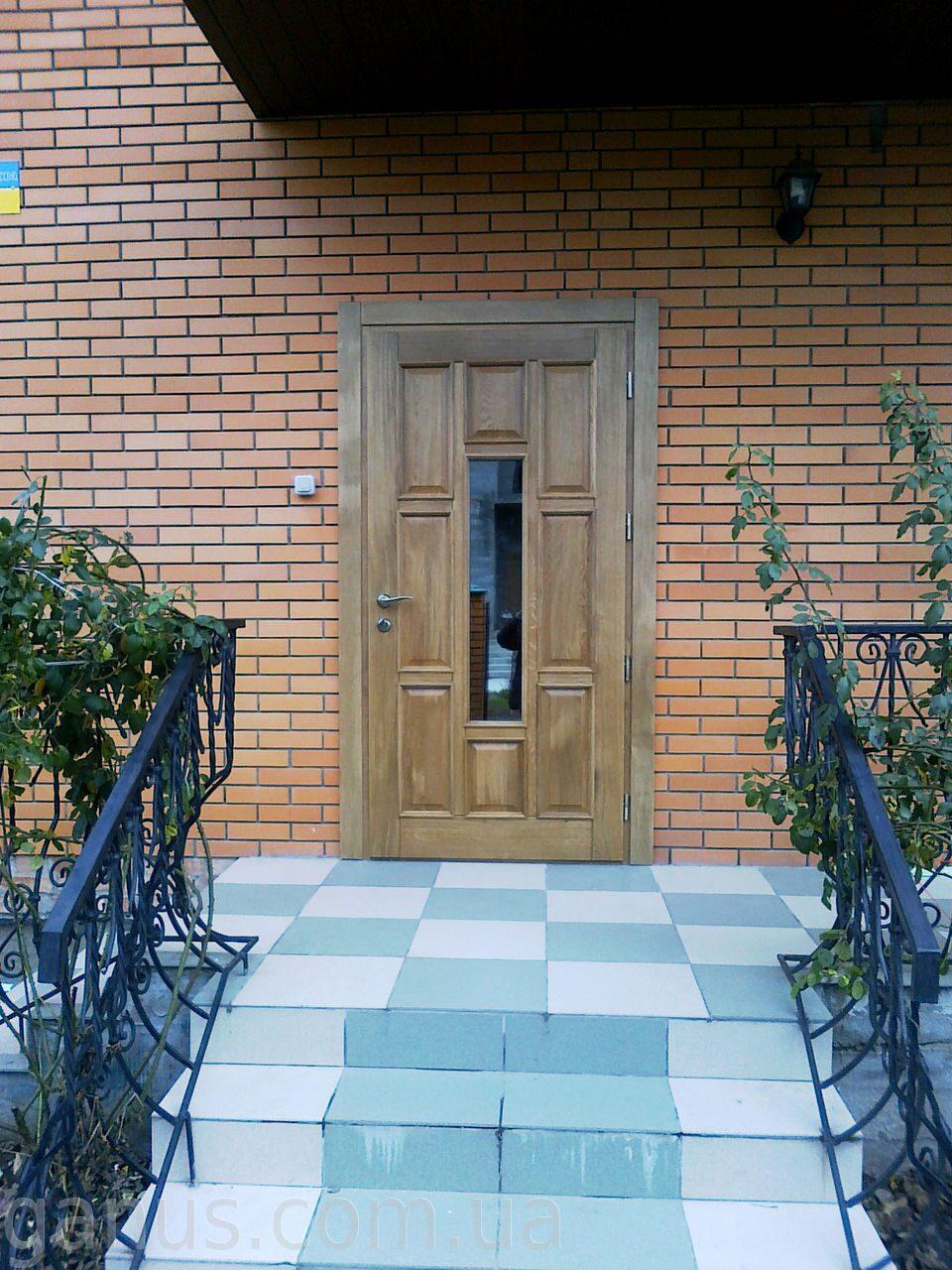 Входная дверь - деревянная или металлическая - forumdomikua